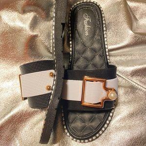 Color block buckle sandal